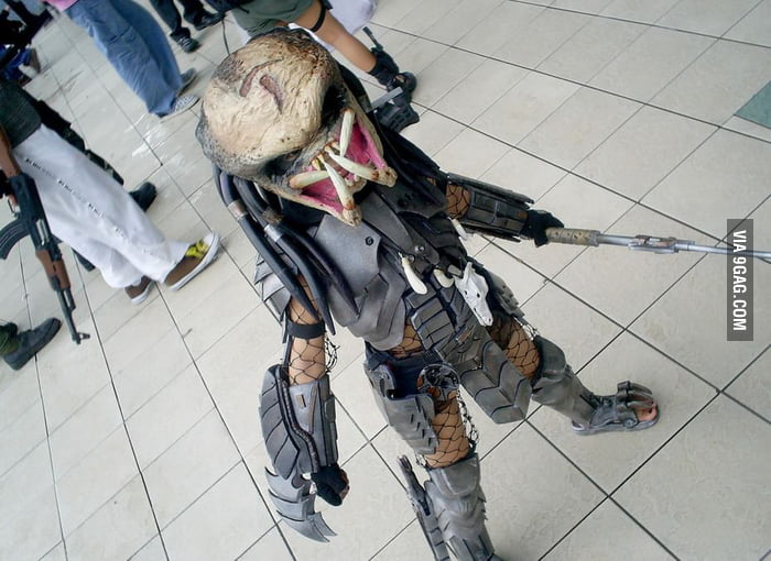 Predator girl cosplay