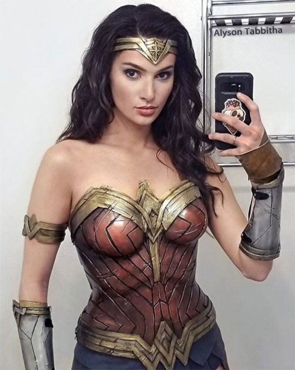 17 Realistic Cosplays That Look Exactly Like Your Favourite Characters cosplay  SEXY girl Cosplay Arts