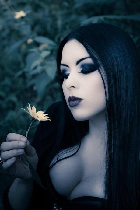 Goth girl tiddy big Big Tiddy