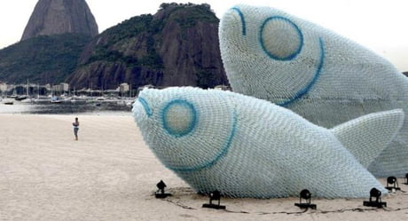Awesome These water bottle fish sculptures made to protest pollution (Rio de Janeiro, Brazil).