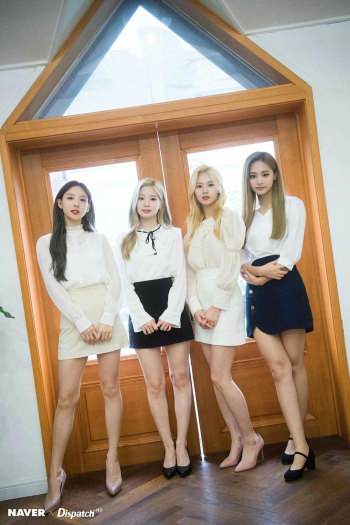 Photo : Dahyun, Sana, Tzuyu and Nayeon