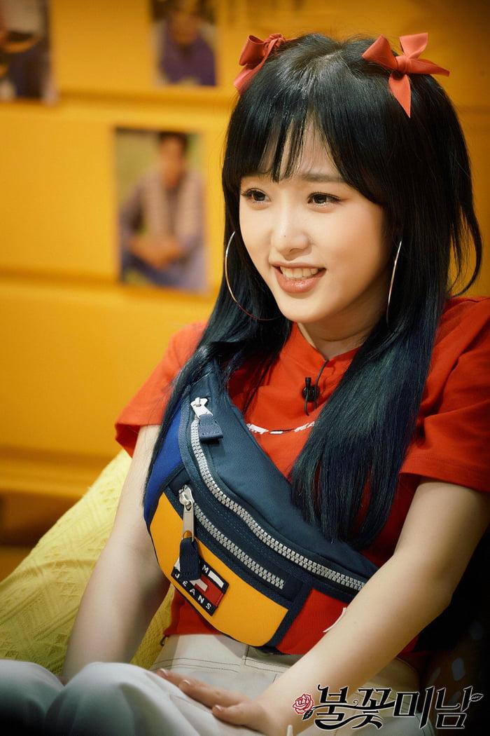 Photo : 210504 SBSPD Twitter Update With Choi Yena @ Fireworks Handsome