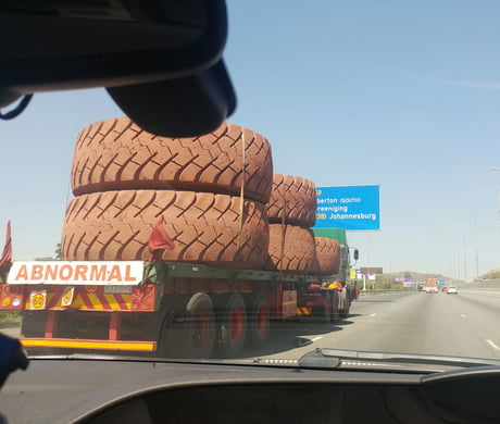 This poor truck driver must be wheely tyred.