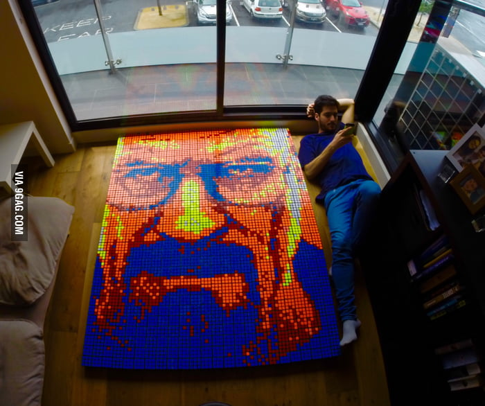 Hey 9gagers! This is my Walter White fanart using 720 Rubik's Cubes, what do you think? :)
