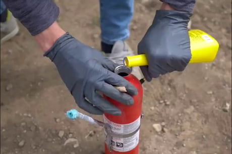 Video: Modified fire extinguisher