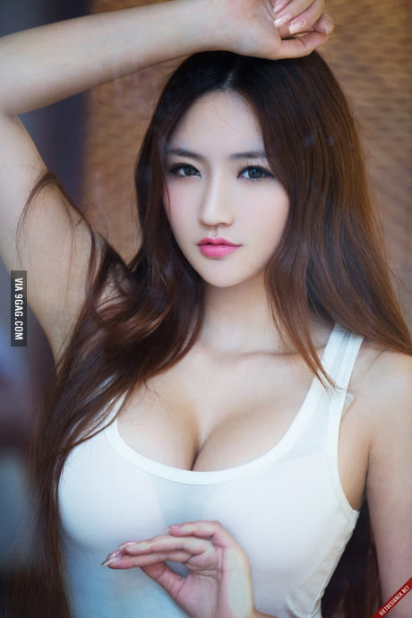 Anybody knows her name? A beautiful Chinese girl - 9GAG