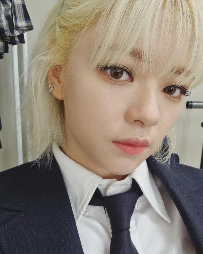 Photo : Twicetagram update - Pretty Jeongyeon