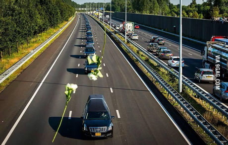 This was the picture today in the Netherlands, where it was one minute of silence, because of the accident with  MH17.